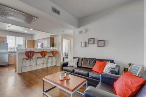 5716 Hardy Ave San Diego CA-large-001-008-Living Room-1499x1000-72dpi
