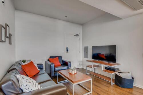 5716 Hardy Ave San Diego CA-large-002-009-Living Room-1499x1000-72dpi