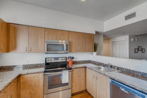 5716 Hardy Ave San Diego CA-large-005-012-Kitchen-1499x1000-72dpi