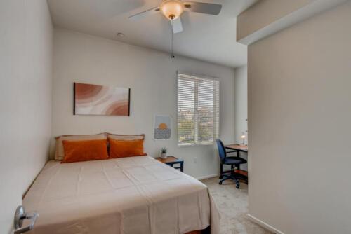 5716 Hardy Ave San Diego CA-large-010-016-Bedroom-1499x1000-72dpi