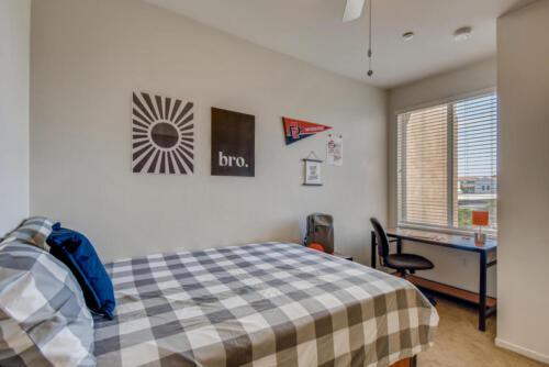 5716 Hardy Ave San Diego CA-large-016-021-Bedroom-1499x1000-72dpi
