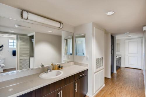 6237 Montezuma Rd San Diego CA-large-020-030-Bathroom-1500x1000-72dpi